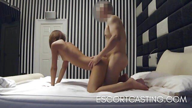 دختر عکس سکشی متحرک سکسی هیجان زده یک مرد بالغ